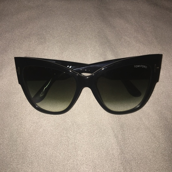 77b2ecb9d373 Authentic Tom Ford Anoushka Cat Eye Sunglasses NEW